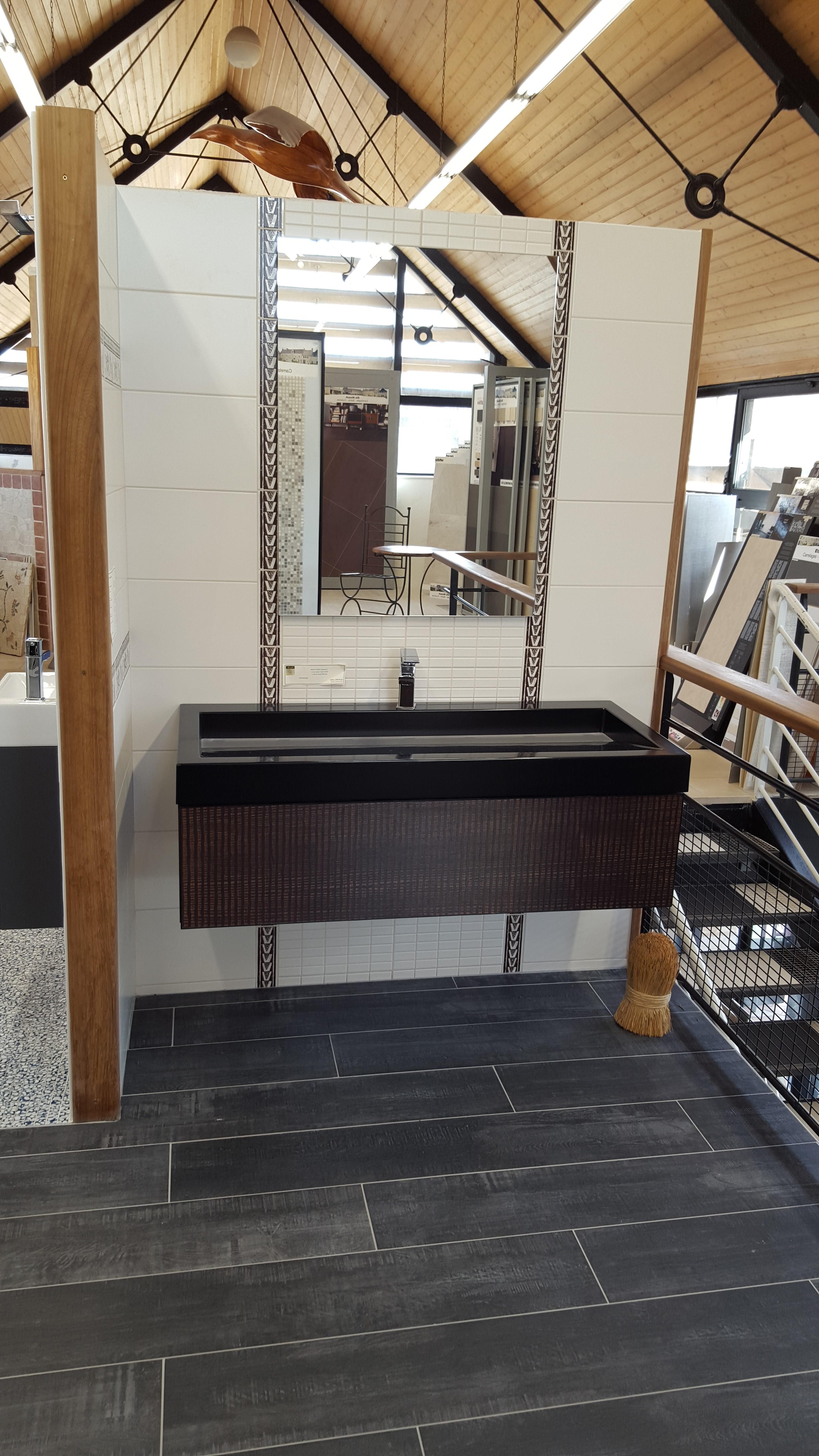 Meuble salle de bain coloree for Meuble de salle de bain chez but