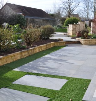 Dallage ext rieur en carrelage pour terrasse sur plot for Pose de carrelage exterieur sur chape beton