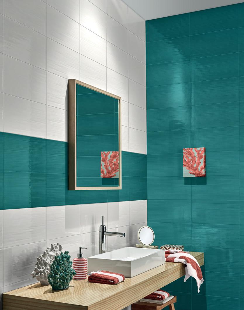 20x40 Cortina Glossy Turquoise Nivault